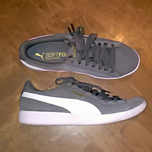 Puma Shoes - PUMA Soft Foam Vikky Sneakers SZ-8